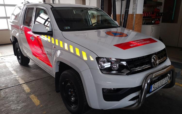 Új járművet kaptak a pápai önkéntes tűzoltók